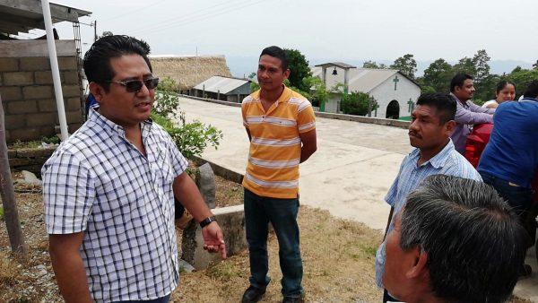 Anuncia Rey Magaña, electrificación y 2 kilómetros de carretera para las comunidades de la parte alta