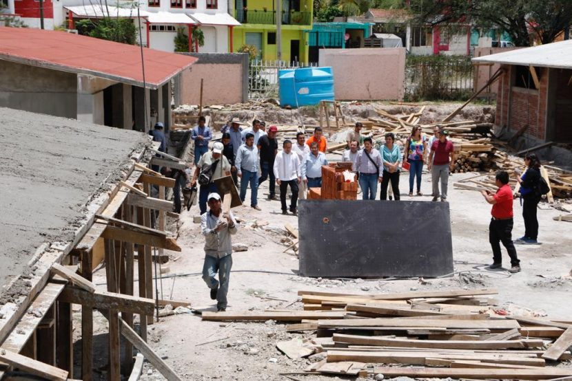 Recorre Comisión de Reconstrucción del Congreso zonas afectadas por sismo en la Mixteca