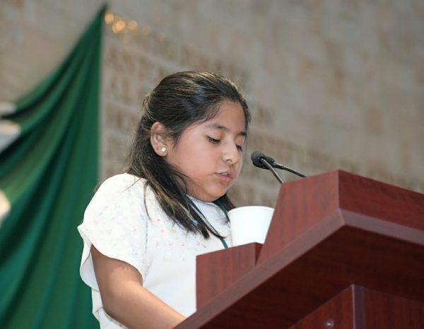 Justicia para feminicidio de su mamá pide Diputada infantil en Oaxaca