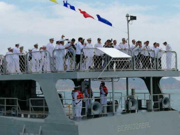 Murat rinde homenaje a marinos en el marco del día de la Marina