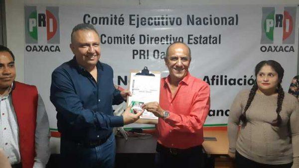 Se reafilia Puga Leyva al PRI en Oaxaca