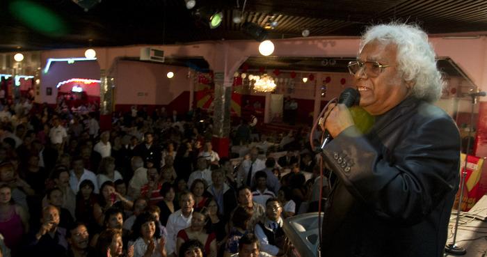 Pepe Bustos, ex cantante y pionero de La Sonora Santanera, fallece a los 79 años de edad