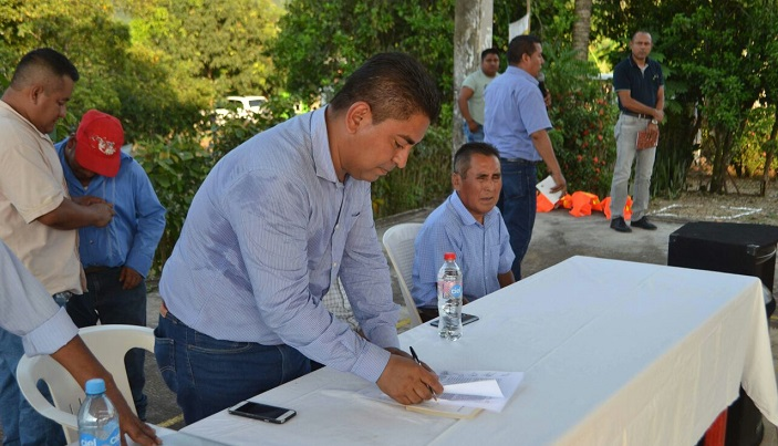 Con el nuevo gobierno es mas dificil tener recursos extras en municipios: Presidente de Jacatepec