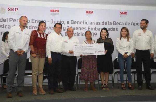Inicia Gobierno de Oaxaca entrega de becas de Apoyo a la Educación Básica a madres jóvenes y jóvenes embarazadas