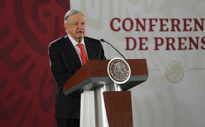 Santa Lucia va y no se retrasará, afirma López Obrador ante amparos