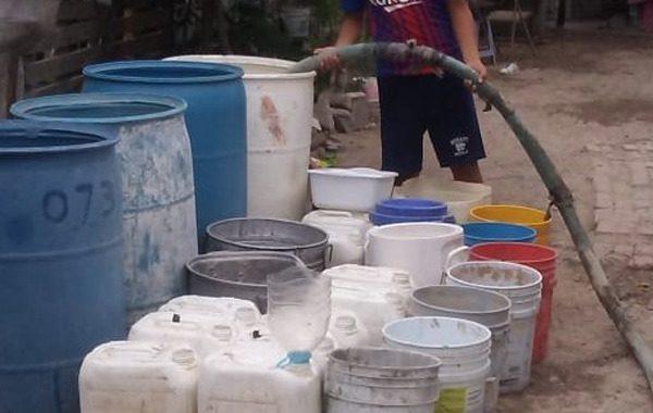 Familias oaxaqueñas carecen de agua