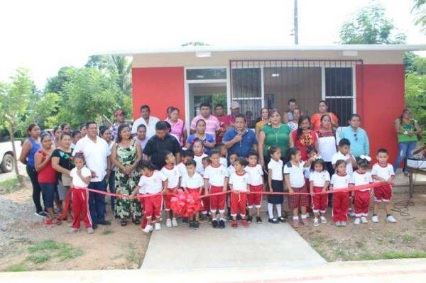 Inauguran aula de clases en la colonia Reforma de Chiltepec