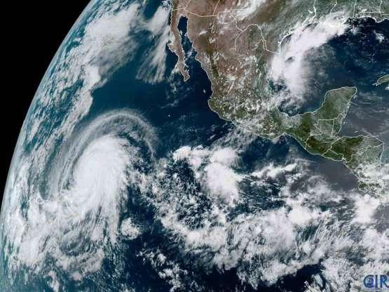 Así luce 'Barbara', el poderoso huracán categoría 4