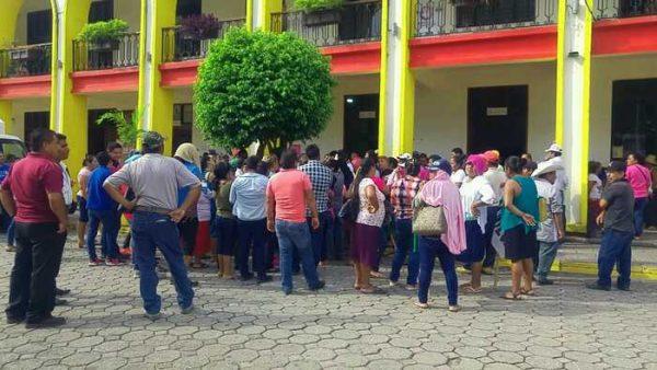 CODECI se manifiesta en el palacio de Tuxtepec