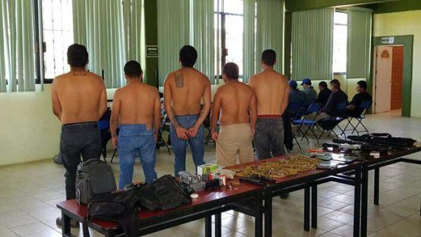 San Dionisio Ocotepec: 15 retenidos, un arsenal decomisado y un riesgo latente de violencia
