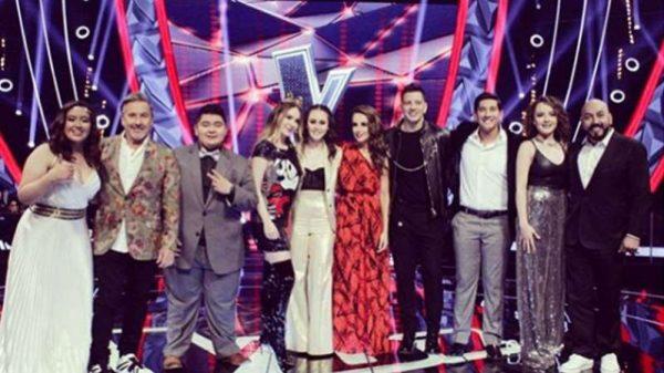 Fátima del equipo de Lupillo Rivera se corona como la ganadora de La Voz Azteca