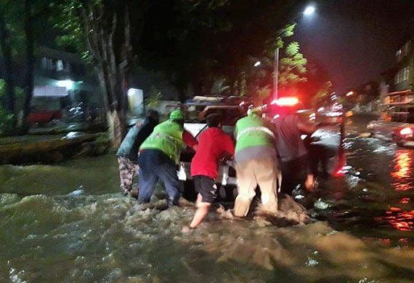 Tormenta eléctrica con granizo deja daños en Oaxaca