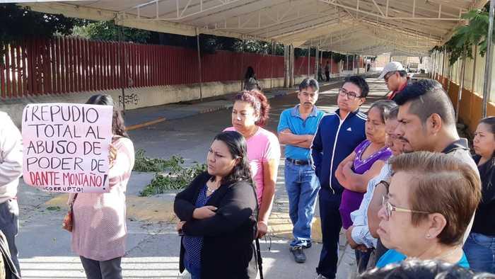 Vecinos denuncian instalación de ambulantes en Santa Lucia, inconformes con el edil