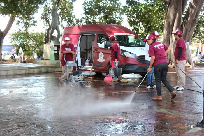 Gobierno capitalino brinda mantenimiento al emblemático Jardín Morelos