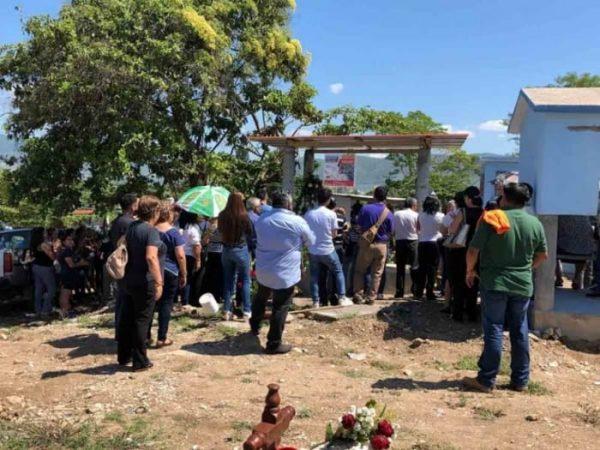 Despiden a bióloga asesinada en Palenque, Chiapas