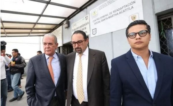 Defensa de Rosario Robles analiza denuncia contra juez por obstrucción de la justicia
