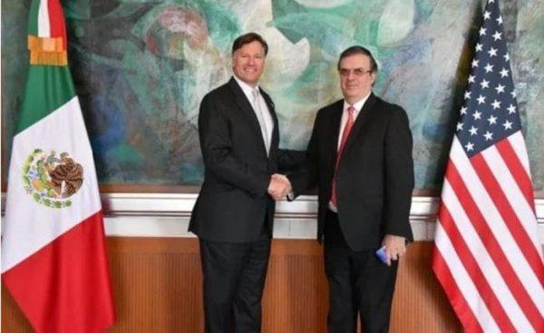 Ebrard y embajador de EU se reúnen para hablar de T-MEC y migración