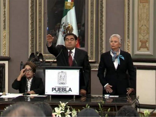 Asume Miguel Barbosa como gobernador de Puebla