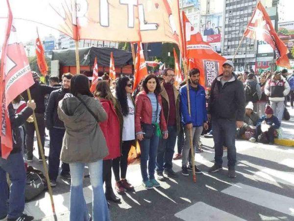Realizan mega marcha en Argentina; protestan contra crisis