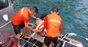 Marina rescata a dos turistas en playa de Huatuco