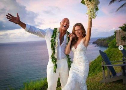 De forma inesperada, Dwayne Johnson se casa en una ceremonia hawaiana