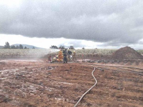 Concluye emergencia en Acajete por fuga en ducto de Pemex
