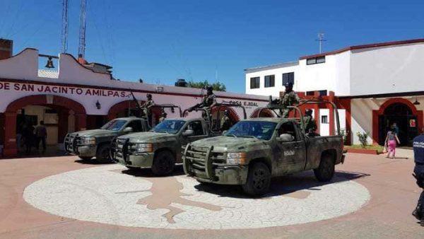 Elementos de la Guardia Nacional recuperaron instalaciones del Palacio municipal de San Jacinto Amilpas
