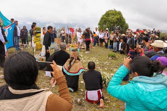 Encabeza Eufrosina Cruz Méndoza conmemoración del Día Internacional de los Pueblos Indígenas