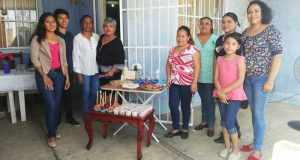Clausuran curso de repostería de la maestra Araceli Guevara