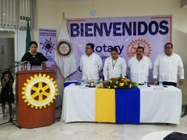 Realizan cambio de mesa directivsa del Club Rotario Tuxtepec A.C.