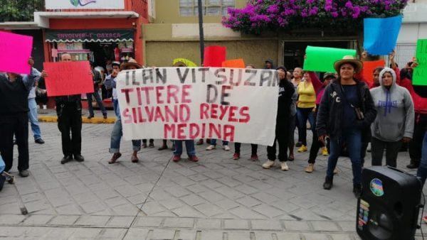 Comuneros de Xoxocotlán explotan contra delegado del INAH Oaxaca, piden su destitución