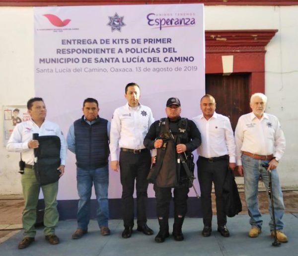Recibe Policía de Santa Lucía del Camino Kit de Primer Respondiente del programa FORTASEG