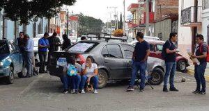 SNTE bloquea calles en Oaxaca, piden intervención del IEEPO ante órdenes de presentación de docentes