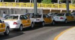 Multa Cofece a aeropuerto de Cancún por impedir contratación de taxis