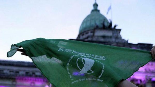 Morena impulsará despenalización del aborto en todo el país