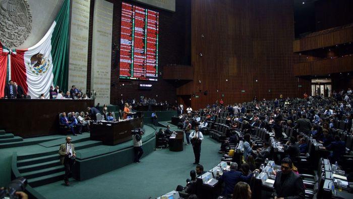 Desechan recortar 50% recursos a los partidos políticos
