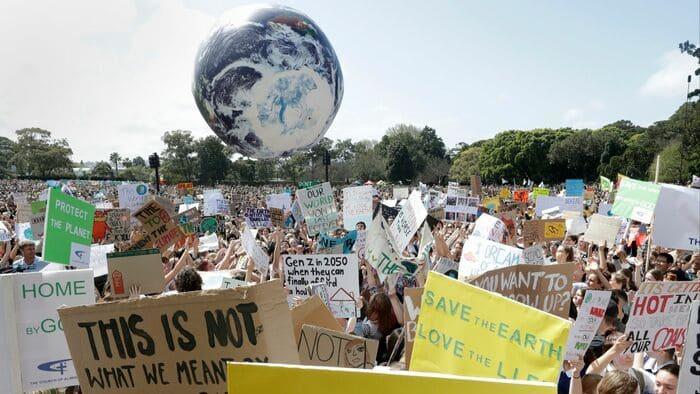 Miles de personas marchan contra el cambio climático en todo el mundo