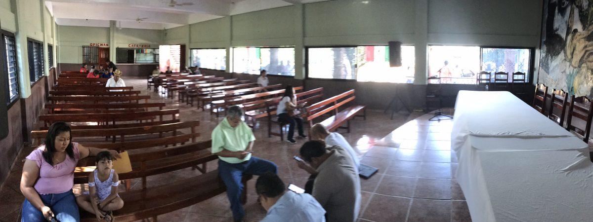 Cancela evento en Chiltepec Salomón Jara, la gente no asiste.
