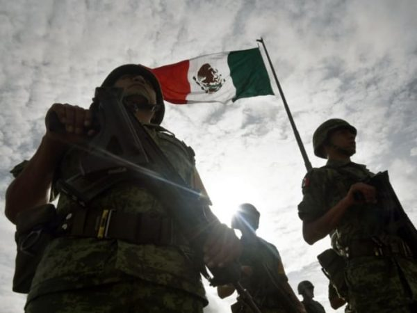 Propone Morena cárcel a civiles que agredan militares