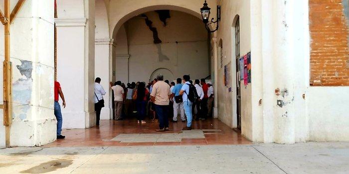 Sindicalizados toman el Palacio Municipal de Tehuantepec