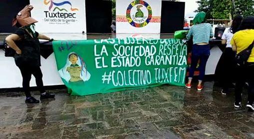 Mujeres marchan en Tuxtepec a favor del aborto