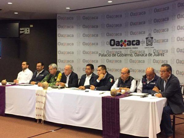 800 damnificados y 11 escuelas dañadas tras lluvias por Narda en Oaxaca