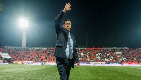 Luis Fernando Tena será el nuevo técnico de Chivas
