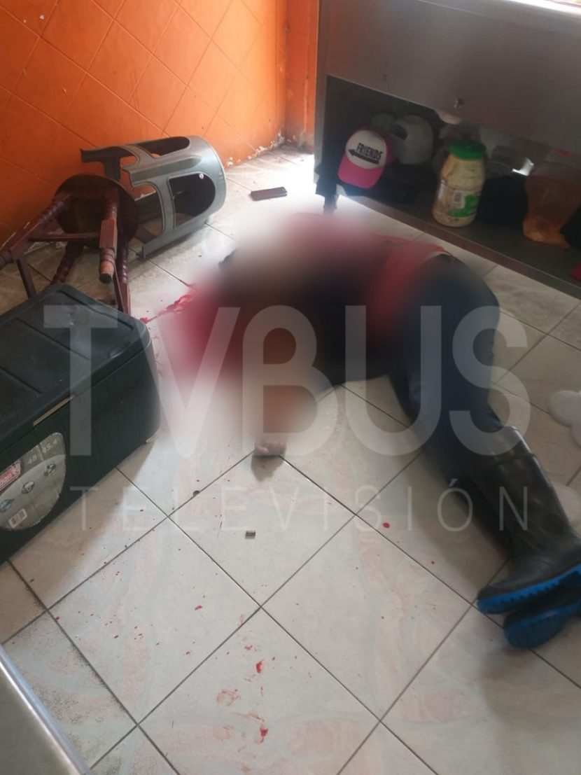 """Ejecutan empleado del """"Pollotote"""" en el centro de Tuxtepec"""