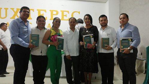 En un acto de reconocimiento a los suscriptores, se presentó el libro Tuxtepec ante la Historia
