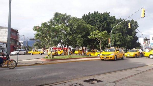 Tras bloqueo de taxistas se normaliza la circulación en la capital