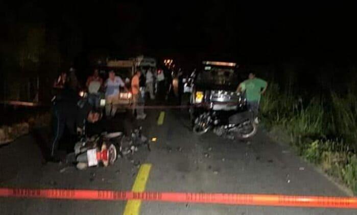 Choque entre motociclistas deja daños materiales en la costa