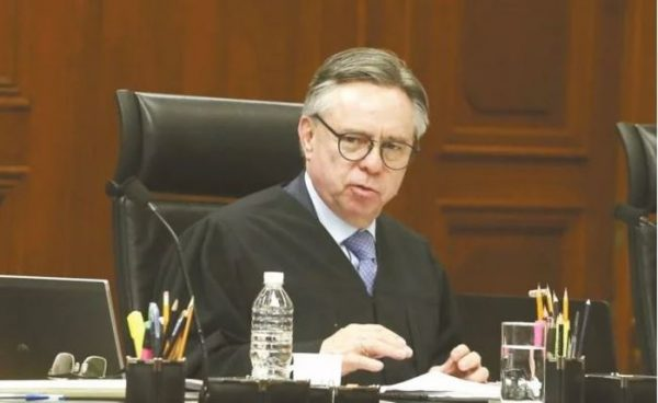 Renuncia Medina Mora a su cargo como ministro de la Corte