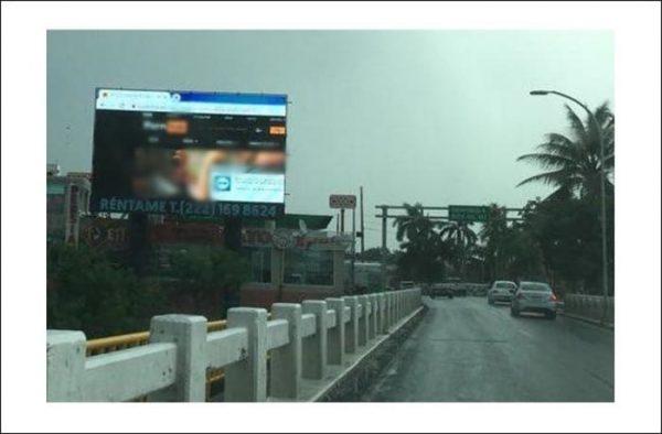 Clausuran pantalla publicitaria por proyectar pornografía en Boca del Río