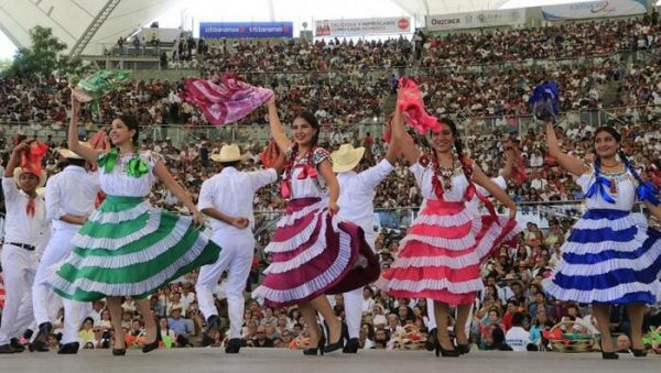 La Guelaguetza llega al Gran Premio de México